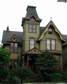 1894 victorian queen anne historical for Custom victorian homes