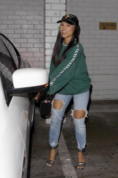 "karruechefashionstyle: ""Oct Karrueche leaves Warwick Nightclub in Hollywood "" Cool Outfits, Casual Outfits, Fashion Outfits, Womens Fashion, Fashion Trends, Fashion Killa, Swagg, Kardashian, Casual Chic"