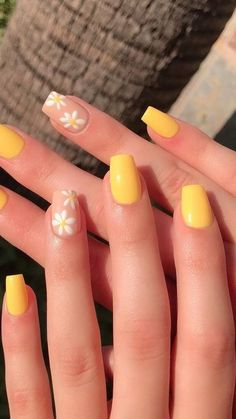 Acrylic Nails Yellow, Acrylic Nails Coffin Short, Simple Acrylic Nails, Summer Acrylic Nails, Yellow Nails, Acrylic Nail Designs, Simple Nails, Best Acrylic Nails, Pastel Nails