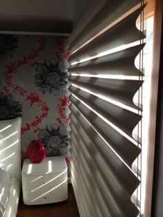 #Luxaflex #Pirouette. Softly curved, elegant horizontal fabric vanes attached to a sheer backing. Controls light and provides privacy for you and your family. Picture taken at customers home in Drummoyne Sydney Australia  #parkshuttersandblinds #innerwest