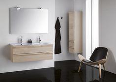 Tupla-altaalla säästyy aikaa kylpyhuoneen aamuruuhkassa. Kalusteet: Dansani Zaro.