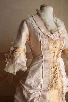 Women's dresses of past eras (Part One). Discussion on LiveInternet - Russian Service Online Diaries