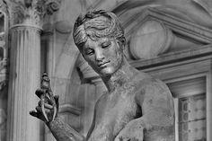 Paris Statue de L'hotel de ville