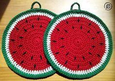 A la rica sandía! #ganchillo #hilo #algodón #yarn #agarradores #cocina #sandía #watermelon #hechoamano #handmade #crochet #uncinetto #potholders #lanalaneracascabelera