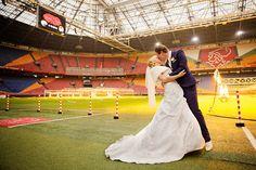 Bruidsfotografie Ralph en Annemiek. #bruidsreportage #trouwreportage #trouwen #bruiloft #Alkmaar #fotoreportage #fotoshoot #omgeving #gemeente #NoordHolland #Amsterdam #ChantalTakFotografie #AmsterdamArena #soccer #stadion #trouwen #wedding #Ajax