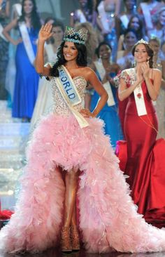 Miss Mundo 2011 Ivian Sarcos - Venezuela anos - cm) Miss World, Pink Wedding Dresses, Bridal Dresses, Miss Mundo, Miss Univers, Miss Teen Usa, Beauty Contest, Sweet 16 Dresses, Miss Dress