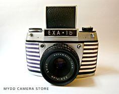 EXA Ib-35mm film-SLR camera-produced in 1966 by Ihagee of Dresden-speeds: 1/25-1/150  B-including original EXA case(bag)
