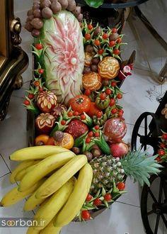 Watermelon Sticks, Goddess Of The Underworld, Yalda Night, Christmas Wreaths, Christmas Crafts, Sequin Appliques, Food Decoration, Fruit Art, Party Snacks