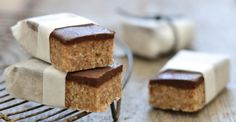 34 healthy energy bar recipes These taste like banana bread, and who can pass up chocolate?