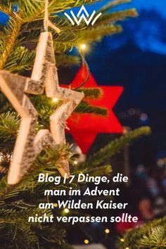 Vorweihnachtlicher Zauber und unverzichtbare Momente Ein ganz besonderer Zauber umgibt die Adventszeit am Wilden Kaiser. In den vier Kaiserorten Ellmau, Going, Scheffau und Söll werden Weihnachtstraditionen und Brauchtum authentisch gepflegt. Die stade Zeit ist wieder da und allerorten kann man die Vorfreude auf das Weihnachtsfest schon spüren. Für alle, die den Zauber der Adventswochen so richtig genießen wollen, hier die schönsten Tipps für einen besinnlichen und fröhlichen Advent... Wilder Kaiser, Blog, Christmas Ornaments, Holiday Decor, Silent Night, Advent Season, Do Your Thing, Christmas Jewelry, Blogging