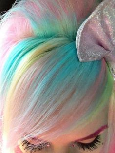 ☮✿★ COLORFUL HAIR ✝☯★☮ i get it its colorful people but seriously this looks better on a paper