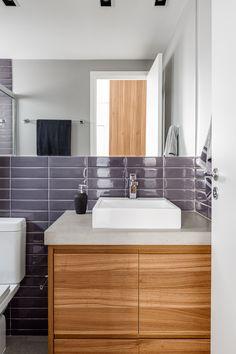 Milhares de imagens, infinitas inspirações para sua casa. Liverpool Portobello, Bathroom Interior Design, Surface Design, Bathrooms, 1, Blog, Dream Come True, Toilet Room, Small Shower Room