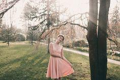 Le Rose Poudré  Robe de mariée personnalisable - reporter sa robe de mariée - robe de mariée petit prix - robe de mariée bohème   Photographe : Julien Navarre  Modèle : Océane Le Ny