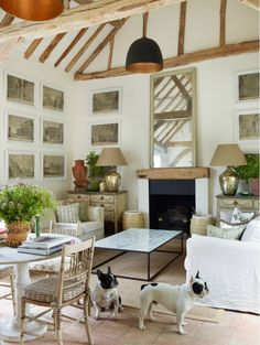 Indoor plants and flowers breathes that outdoor ambiance country living is known for. Will definitely make your living room feel more like the countryside!