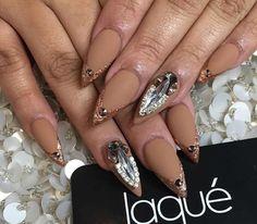 Golden matte nail awesomeness