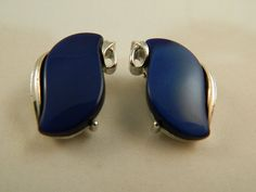Vintage Lisner Silver and Blue Thermoset by VintageBaublesnBits, $12.00