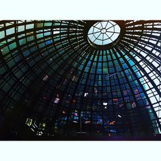 Colorful crystal roof @bolsamexicana #colors #bmv #mexico #finance #cdmx #places #travel #openExposure #instagoodmyphoto #2instagood #justgoshoot #passionpassport #worldtravelbook #travel #adventure  #igers #igerscdmx #igersmexico #city #citiesoftheworld #trade #stocks #beauty #hometown #fintech #september2016 29.09.2016