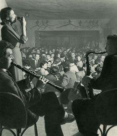 Willy Ronis. La Rose Rouge [La Rose Rouge. Anita Love, La Meilleure Chanteuse de France, Maurice Meunier, Clarinette, Armand Conrad, Saxo Tenor]. c.1952.  [::SemAp::]