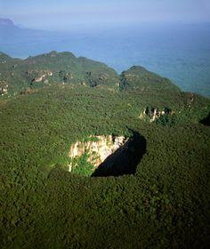 World's Strangest Natural Wonders: Sarisarinama Sinkholes, Venezuela