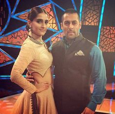 Sonam Kapoor on the sets of Bigg Boss Nau to promote Prem Ratan Dhan Payo seen with Salman Khan. #Bollywood #Fashion #Style #Beauty #Handsome #Instagram