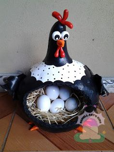 .Functional kitchen gourd.....this would be o cute to hold farm fresh eggs when I get some laying hens
