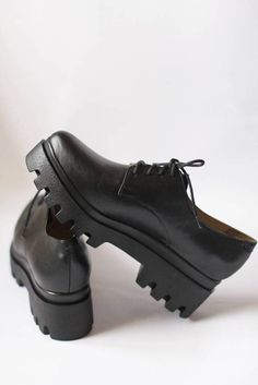 Dr Shoes, Ugly Shoes, Fancy Shoes, Sock Shoes, Cute Shoes, Me Too Shoes, Oxford Shoes, Shoes Heels, Chunky Shoes