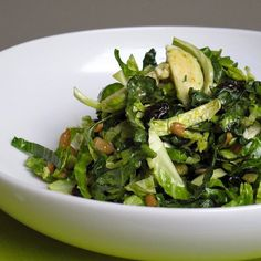 3 Kale Recipes to Detox Your Way Into Fall... Yum going to get some Kale this week, that last one looks YUMMY
