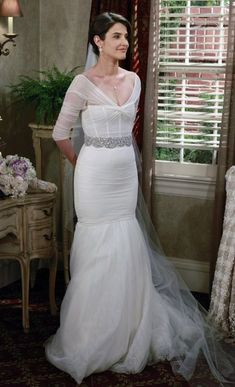 35 most beautiful wedding gowns of all time - Cobie Smulders (as Robin Scherbatsky) in Monique Lhuillier