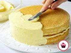 frosting and filling recipes Frostings and fillings can take a dessert from ordinary to extraordinary. Take a look at these filling and frosting recipes to find your family favorites. Just Desserts, Delicious Desserts, Yummy Food, Easy Buttercream Frosting, Vanilla Buttercream, Frosting Tips, Cake Recipes, Dessert Recipes, Icing Recipes