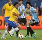 Ronaldinho & Pastore - Brasil 0 vs Argentina 1 - Doha 2010
