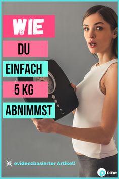 Sehr viele Frauen und Männer möchten 5kg abnehmen, daher haben wir einen ausführlichen Beitrag erstellt, wie dir das auch gelingen wird. Wie bei allen Diätversuchen solltest du auf langfristige Strategien setzen, den Jojo-Effekt vermeiden und deine Ernährung anpassen, nicht aber verwerfen. Ernähre dich pflanzlicher, achte auf ausreichend Proteine, bewege deinen Körper und lass dir Zeit. Mit diesen simplen Schritten wirst du dauerhaft 5kg abnehmen können! Losing Weight, Simple