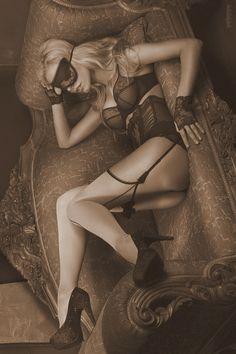 #blindfold #lingerie #boudoir