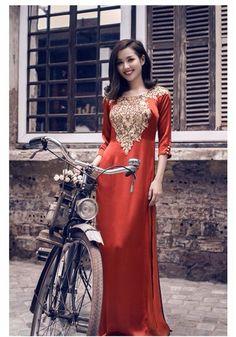Vietnamese Traditional Dress, Vietnamese Dress, Traditional Dresses, Asian Woman, Asian Girl, Ecchi Girl, Beautiful Asian Women, Ao Dai, Asian Fashion