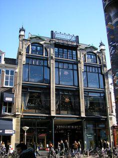 Glassy Art Nouveau building in The Hague, The Netherlands [building] : architecture The Hague Netherlands, Kingdom Of The Netherlands, Art Nouveau Architecture, Gothic Architecture, Building Architecture, La Haye, Art Nouveau Illustration, Art Deco, Exterior