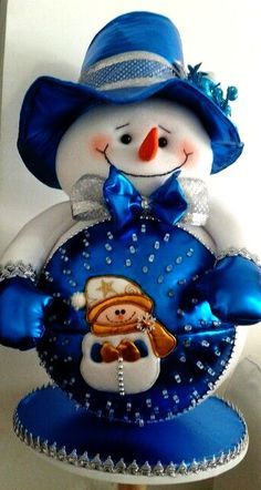 Christmas Angels, Christmas Crafts, Christmas Decorations, Christmas Ornaments, Holiday Decor, All The Colors, Smurfs, Snowman, Teddy Bear