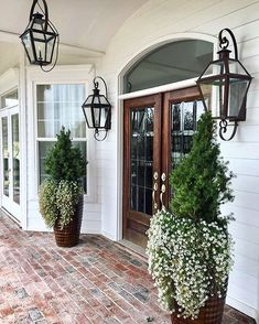 Great front door and front porch entrance detail. 30 Insanely Cute Minimalist Decor Ideas To Rock Your Next Home – Great front door and front porch entrance detail. Entrance, House Exterior, House Design, Future House, Curb Appeal, Front Door, New Homes, Beautiful Homes, Exterior