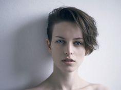 beauty fashion butch Model short hair dapper dyke genderqueer androgyny androgynous genderfluid tomboy style boyish boyish girl Ellinore Erichsen unfeminine androfashion masculine female