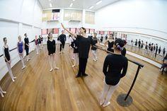 Curso balé clássico intermediário, com Ilara Lopes. Crédito. Crédito: Dashmesh Photos/Claudia Baartsch