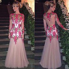 Frente e Costas deste Vestido Lindo!!! ❤️✨ #isabellanarchicouture #details #atelierisabellanarchi www.isabellanarchi.com.br