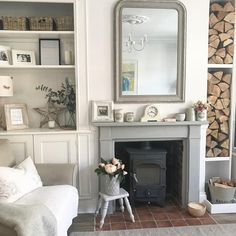 Walls f&b wevet, woodwork f&b all white, fireplace Annie Sloan Paris grey (featheringtheemptynest) Cottage Design, Cottage Style, House Design, Farrow And Ball Living Room, Home Living Room, Grey Fireplace, Living Room Decor Inspiration, Modern Country, New Homes