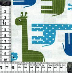 E344 tilkkutyökangas -siniset/vihreät kirahvit, valkoinen tausta