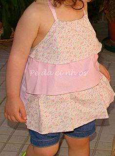 """Pedacinhos de Arco Íris: Top de folhos """"Cupcake"""" e tapa-fraldas (toddler top)"""