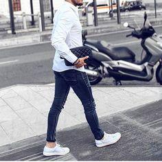 Follow: @gentwithstreetstyle  #ZaraGents  by @fabrizioaldobelfiore #menfashion #casualwear #jeans #white #sneakers