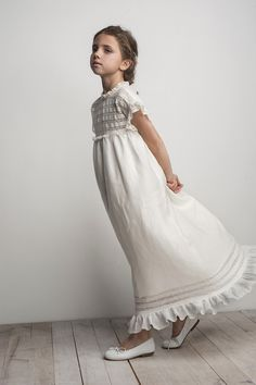 I'm in love with this serene little dress! Fashion Kids, Little Girl Fashion, Little Girl Dresses, Flower Girl Dresses, Première Communion, Holy Communion Dresses, Baptism Dress, Stylish Kids, Kind Mode