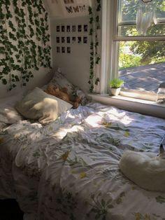 Cute Room Ideas, Cute Room Decor, Boho Bedroom Decor, Room Ideas Bedroom, Bedroom Inspo, Bedroom Vintage, Wall Decor, Bohemian Bedroom Design, Boho Decor