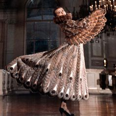 Ирина Крутикова | о дизайнере Fancy Dress, Dress Up, Vintage Fashion, Vintage Outfits, Vintage Fur, Fur Fashion, Costume Design, Fur Coat, Halloween Costumes