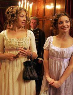 Alex Kingston as Mrs. Bennet and Perdita Weeks as Lydia Bennet in Lost in Austen (TV Mini-Series, 2008).
