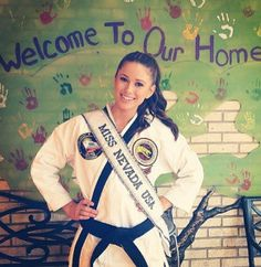 Miss Nevada, who has a fourth-degree black belt in taekwondo, won the title of Miss USA 2014 on Sunday night in Baton Rouge. Miss Nevada, Nevada Usa, Black Belt Taekwondo, Pageant Questions, Martial Arts Women, Street Fights, Miss Usa, Self Defense, Feminism