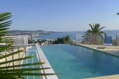 The pool with a wonderful view of Nice and the French Riviera! Could you ask for more? My dream vacation spot.