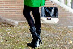 Abrigo verde Crimenes de la Moda - Green coat - bolso Karen Millen - botas Mas34 boots